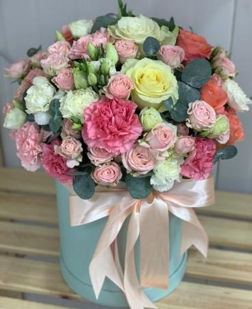 """Įvairių gėlių dėžutė """"Livinija"""""""