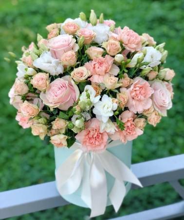 """Įvairių gėlių dėžutė """"Torunė"""""""