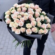 """Puokštė rožių """"Sarona"""" 59vnt"""